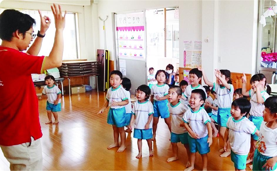 の 英語 幼稚園 先生 英訳お願いします☆幼稚園の先生にメッセージです。一年間お世話に